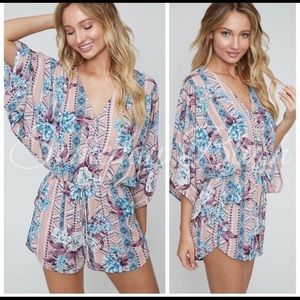 🎊Host Pick🎉Beautiful Mauve Floral Print Romper